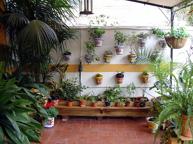 Jardineras hechas con tablas de palets - Jardineras con palets ...