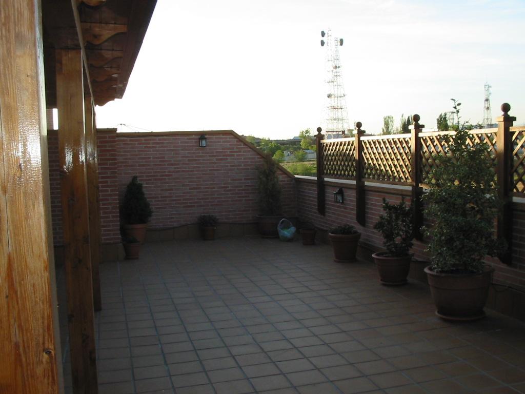 La evoluci n de 4 a os de mi terraza tico - Celosias terrazas aticos ...