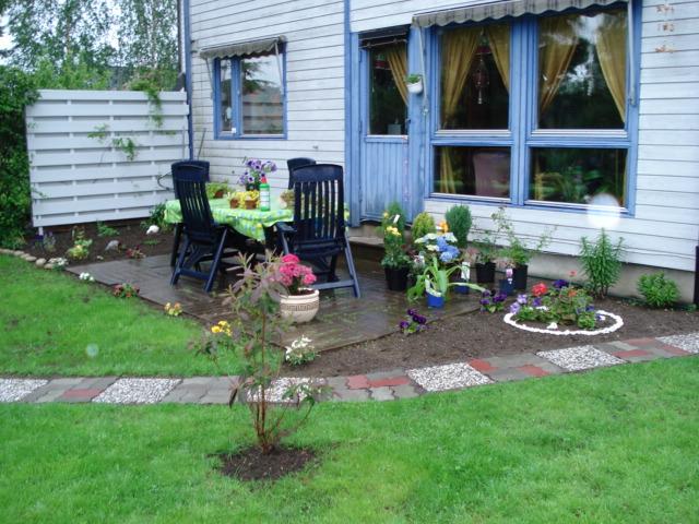 Los elementos de un jard n el mejor camino para tu jard n - Losas de jardin ...