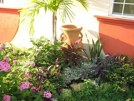 Necesito ayuda para crear un pequeno jardin 3x2 mts en el for Como hacer un jardin pequeno